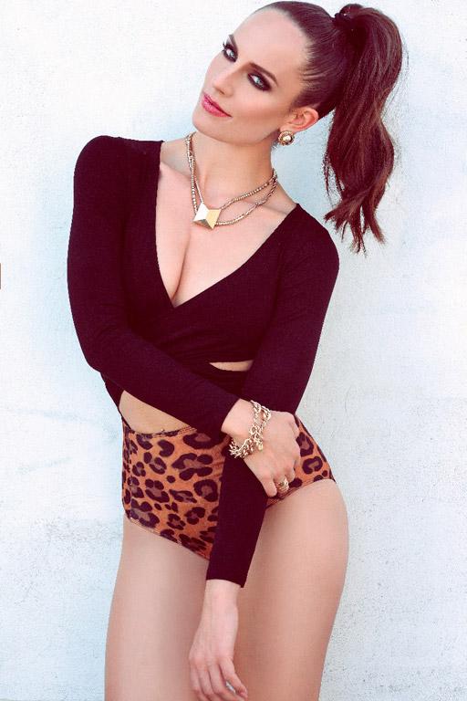 Daniela-female-model-b-1_k