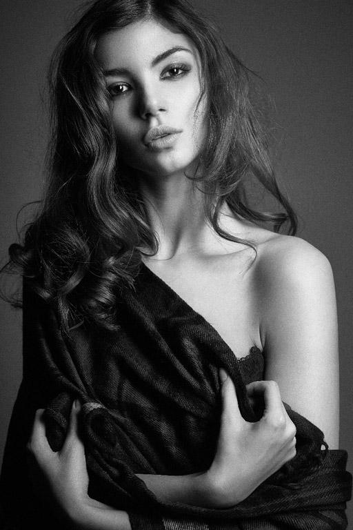 Pamela-female-model-2_k