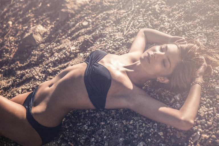 Pamela-female-model-4_k