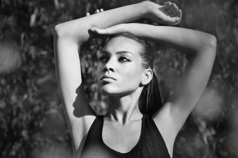 Viktoria-female-model-b-12_