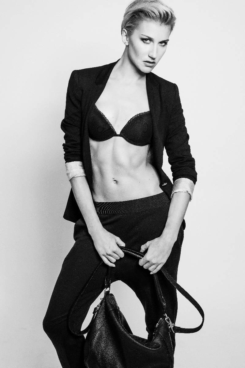 Fabienne-female-model-berlin-5