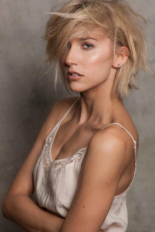 Fabienne-female-model-berlin-7